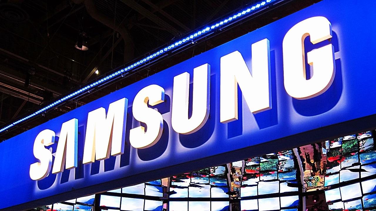 Samsung, prepara 2 nuovi modelli il Note 5 e Galaxy S6